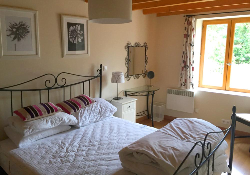 Le Cognac Gallery Image / Image shows bedroom photograph