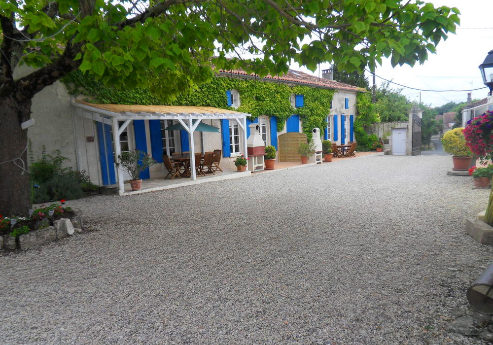 Holiday Gites in France at Les Vieilles Ombres, 5 holiday gites for great family holidays in france
